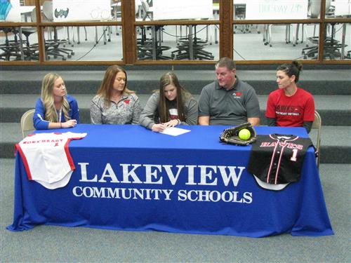 Kaylea Bailey Signs Letter of Intent
