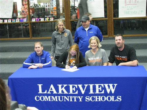 Makenna Klug Signs Letter of Intent